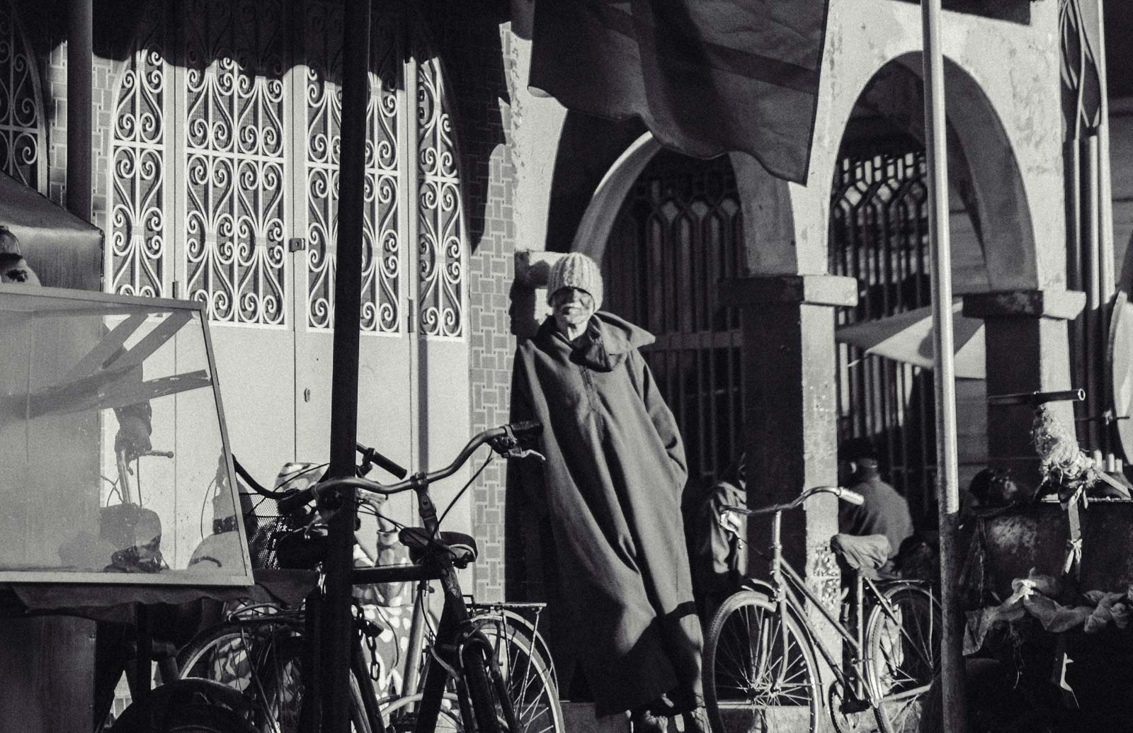 """Marrakech, die """"Rote Stadt"""", ist ein sehr besonderer Ort. Einmal angekommen, ist man auf einer Zeitreise in eine andere Welt. Wir wohnten für fünf Tage in einem traditionellen Riad, ein umgebautes Mehrgenerationenhaus mit Innenhöfen, verwinkelten Gängen, Treppen und Dachterrassen. Thomas Brand Sarah Bugar - brand4art Ebersberg München - Fotografie Cinemagraph Fotograf Fotodesign"""